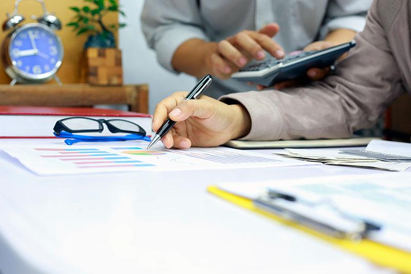бухгалтер в компанию для B2B или B2C услуг